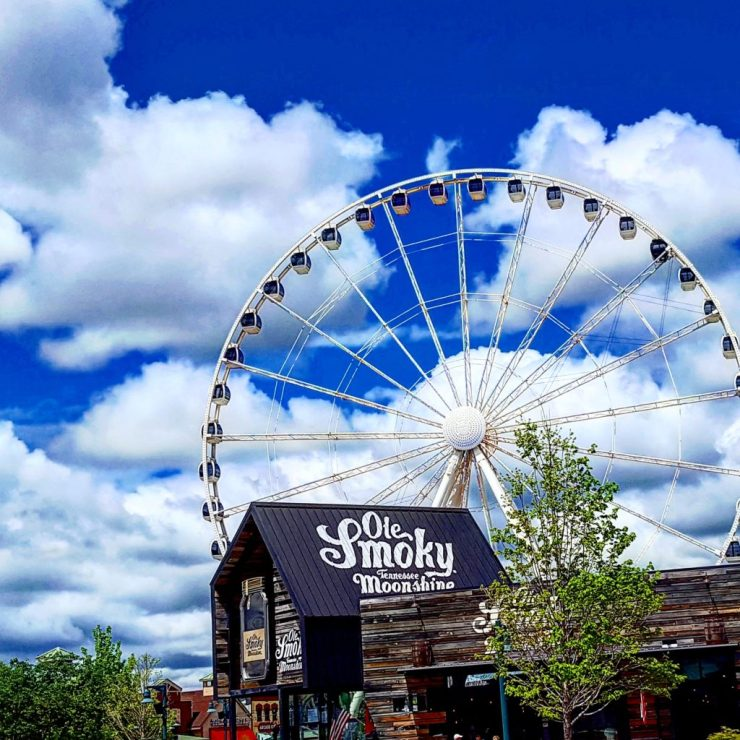 Shopping at The Island, Pigeon Forge, Great Smoky Mountains.