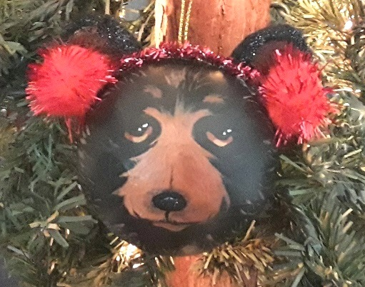 These adorable ornaments by Deede Edele will be available at the event.
