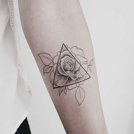 Tatuajes De Triángulos Y Su Genial Significado En Cada Diseño