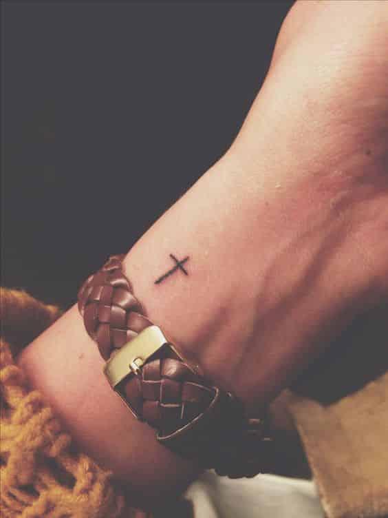 Tatuajes De Cruces Significados Y Diseños Para Hombres Y Mujeres 2018