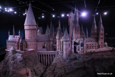 Harry Potter Studio Tour - Hogwarts Model - HeyUGuys (3)