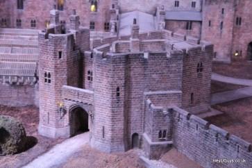 Harry Potter Studio Tour - Hogwarts Model - HeyUGuys (57)