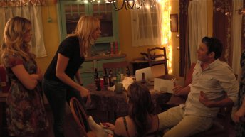 Laura Prepon and Bryan Greenberg in The Kitchen 1