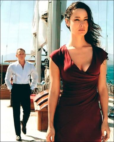 Daniel Craig and Berenice Marlohe in Skyfall