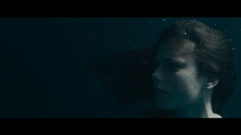 Kaya-Scodelario-in-Emanuel-and-the-Truth-About-Fishes