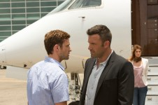 Justin-Timberlake-Ben-Affleck-and-Gemma-Arterton-in-Runner-Runner