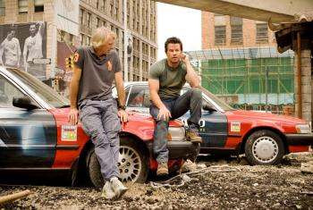 Michael-Bay-and-Mark-Wahlberg-on-set-of-Transformers:-Age-of-Extinction