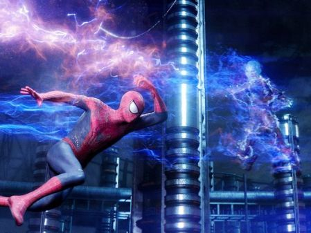Andrew-Garfield-and-Jamie-Foxx-in-The-Amazing-Spider-Man-2