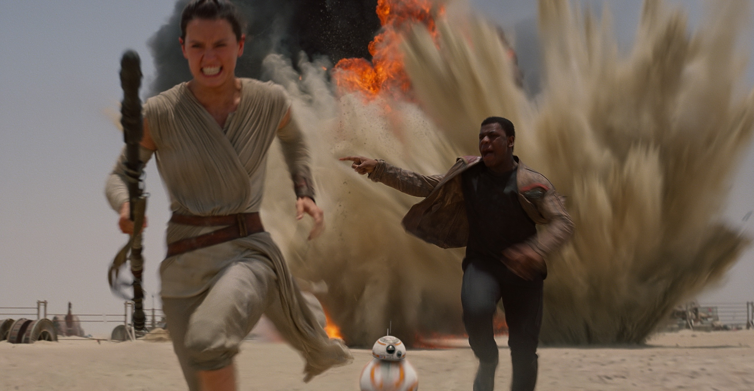 10 Things to Note in Trailer for Star Wars: The Force Awakens