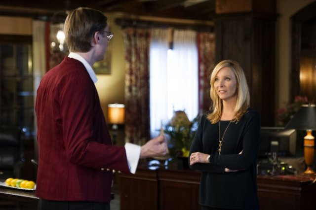 Table 19 - Lisa Kudrow and Stephen Merchant