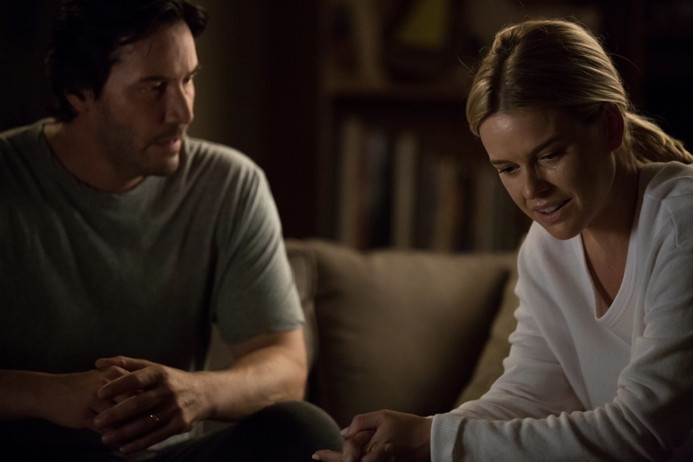 Keanu Reeves and Alice Eve in REPLICAS