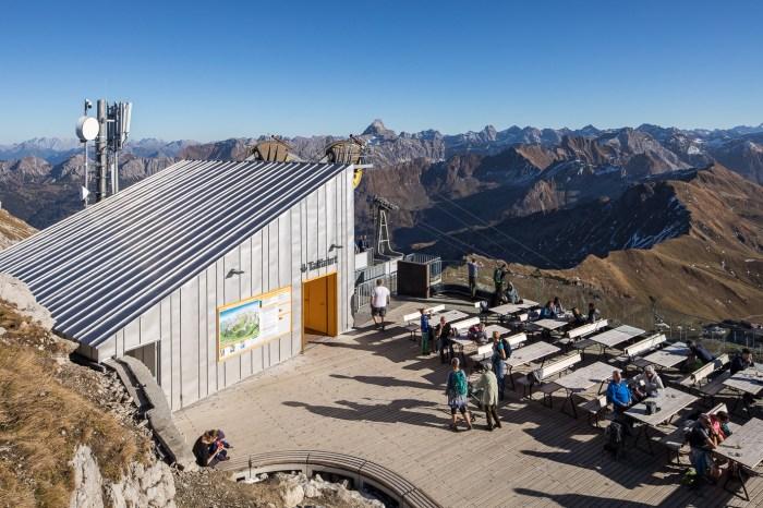 HFX Edelstahl für das Dach und die Fassade der Nebelhornbahn und extreme Wetterbedingungen