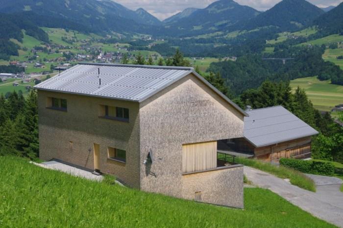 Dieser HFX Edelstahl matt verzinnt mit natürlicher Patina für Ferienhäuser ist total wartungsfrei