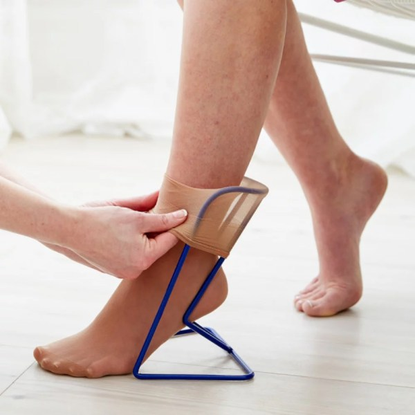 The Ezy-On small compression frame is ideal for those who cannot put on compression stockings, socks or pop-socks independently.
