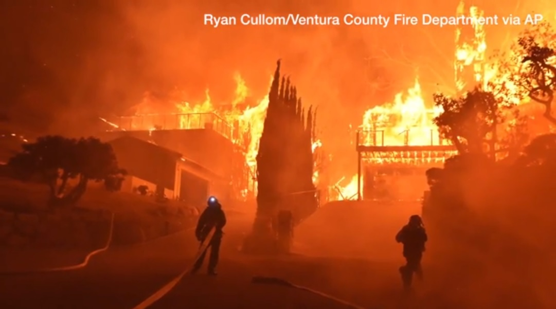 Cali Fires 2 firemen and building