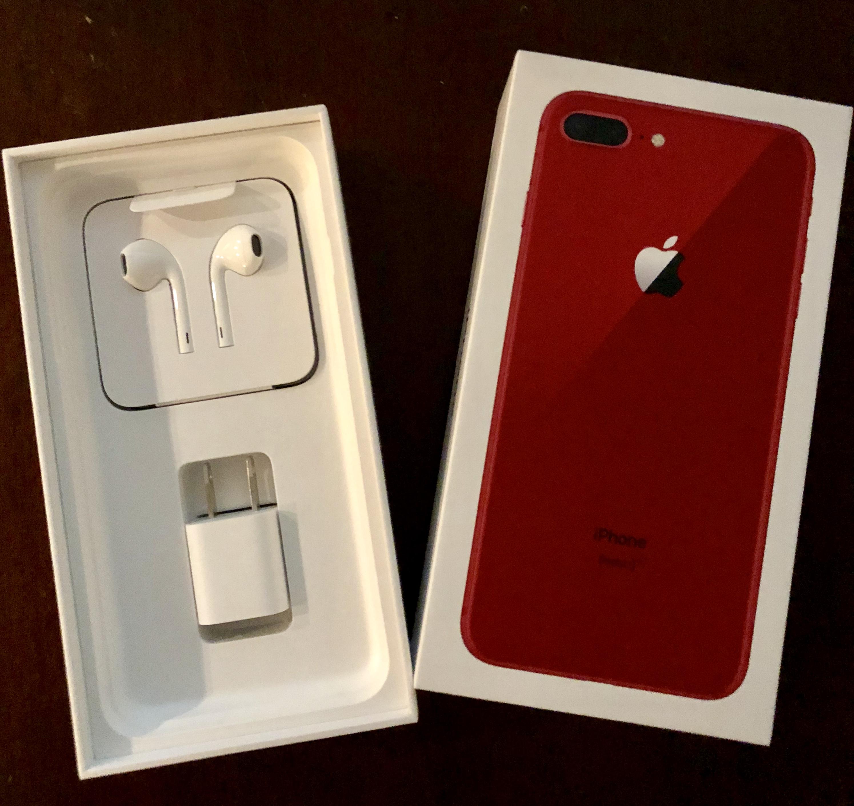 iPhone 8 PLus Unbox 2