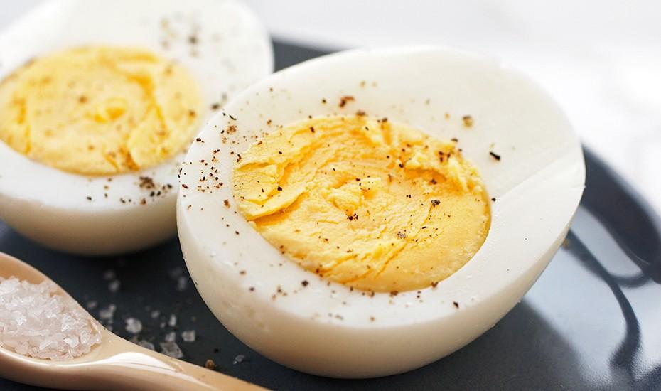 البيض من أهم العناصر الغذائية التي يجب تناولها في الصباح
