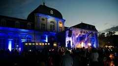 Nokia Lumia 925 Torchlight Concert (1)