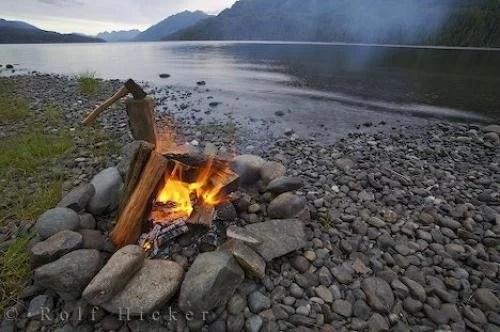 Wallpaper Scenes Of Fall Campfire Warmth Photo Information