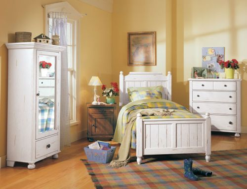ATTIC HEIRLOOMS Collection Furniture At Hickory Park
