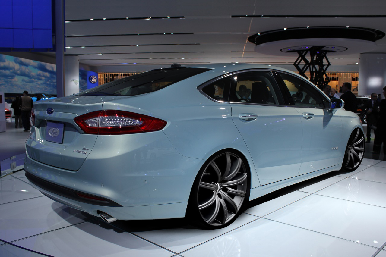 hight resolution of 2013 ford fusion photo 2