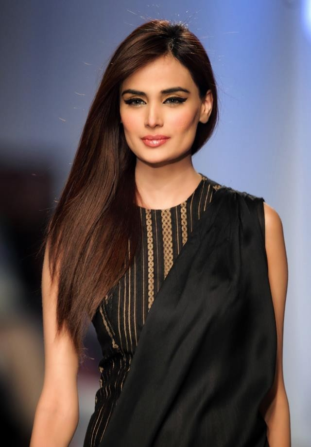 Mehreen Syed Height, Weight, Age, Body Measurement, Bra Size