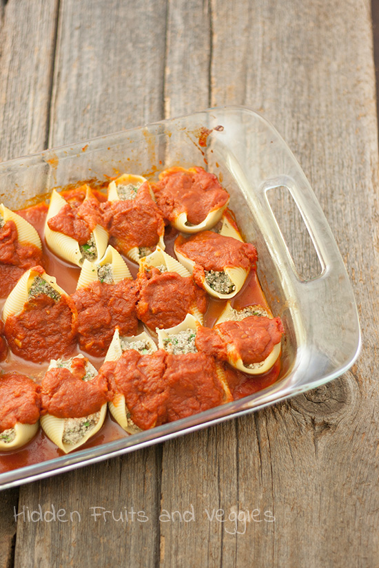 Spinach and Mushroom Stuffed Shells with Tofu Ricotta