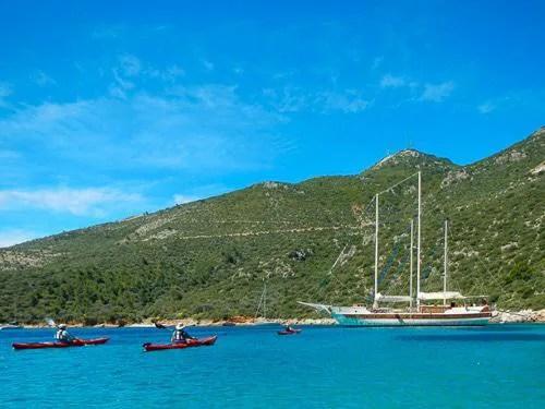 hidden-places-travel-greece-mothership