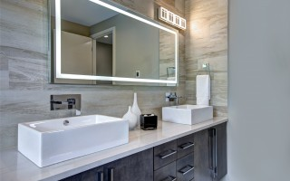 vanity-mirror-tv-lighting-around-edge