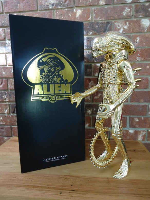 2015 Gentle Giant Gold ALIEN