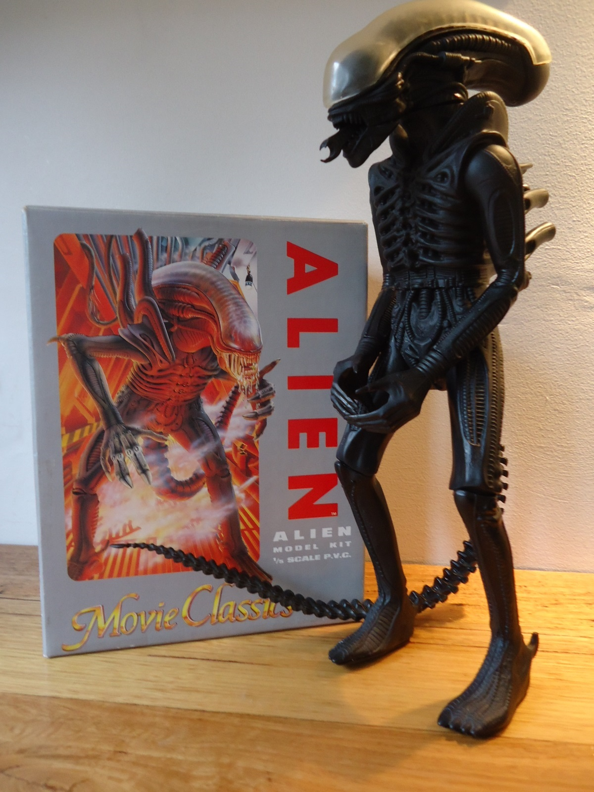 The 1991 Halcyon ALIEN model kit and its box.