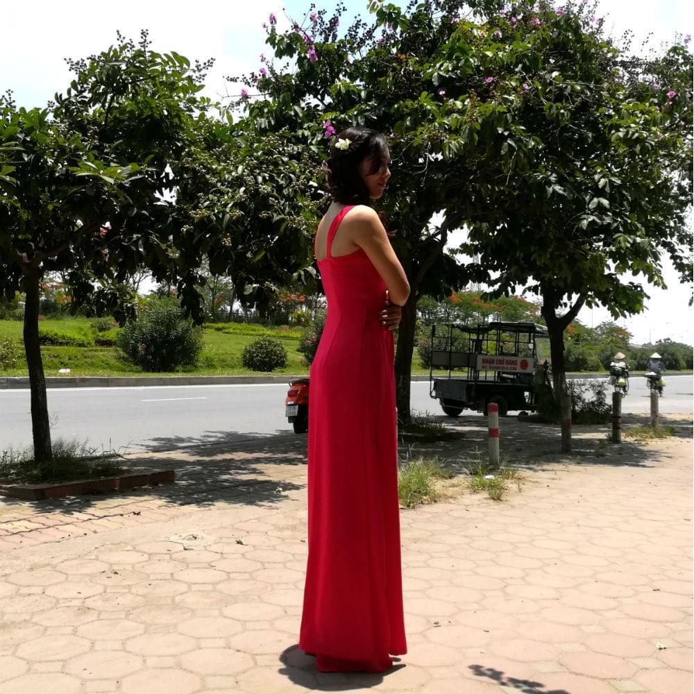 cadminum-red-ao-dai-vietnam