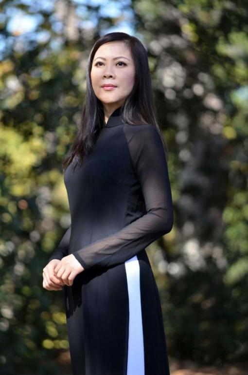 ao-dai-black-sheer-white-pant-double-layers