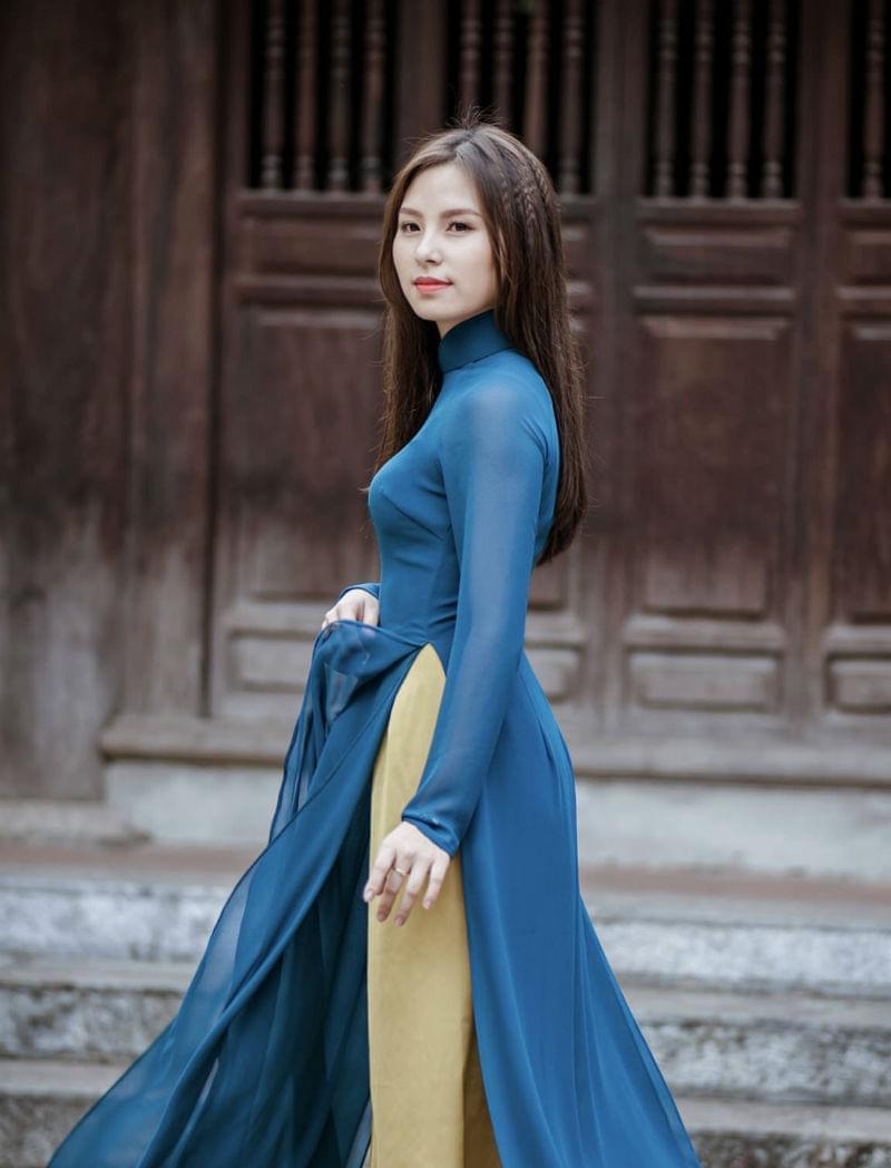Ao Dai Viet Nam Pink Chiffon Short Sleeves Diamond Neck