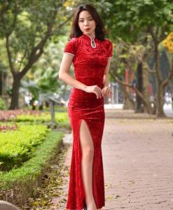 Cheongsam moderne du Vietnam 1