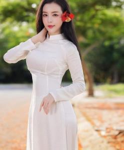 Tailandés Tuan brocado blanco Ao Dai 1