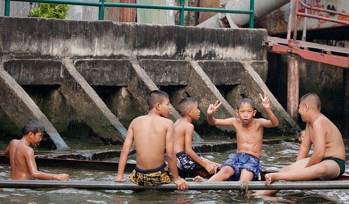 Leven naast het water in Bangkok