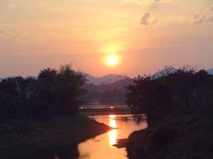 zonsondergang chiang khan
