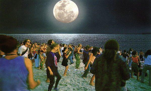 Hoe overleef je een Full Moon Party?