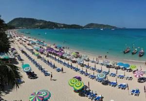 Verkopers willen stranden van Phuket weer op