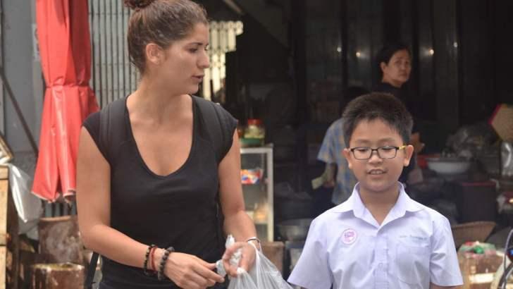 Thaise kids Engels leren terwijl je backpackt