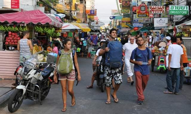 vrouwen alleen op vakantie in Thailand