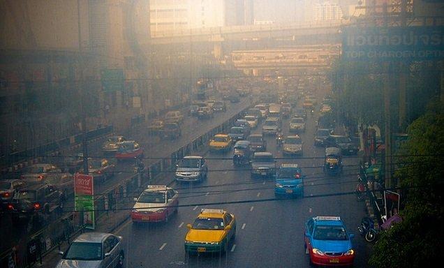 Code rood door smog in Bangkok