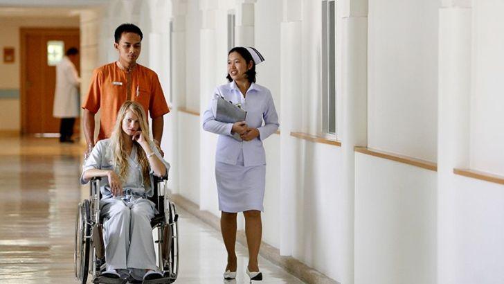 Thaise commerciële ziekenhuizen te duur
