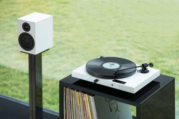 Pro Ject Juke Box E High Fidelity Stereo System 05