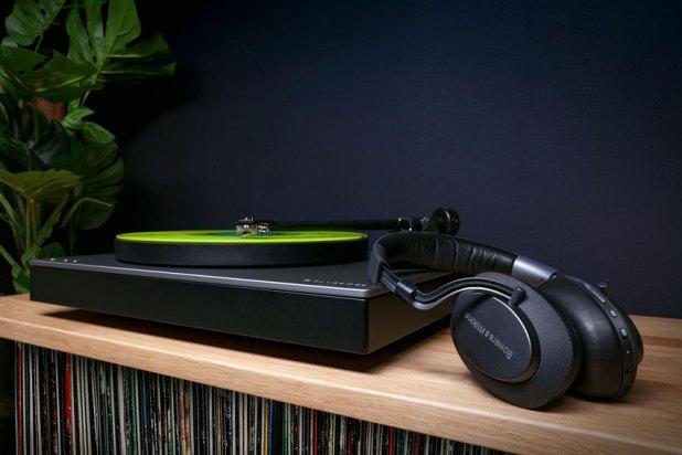 Cambridge Audio Alva TT mit Cambridge Audio Alva MC 01