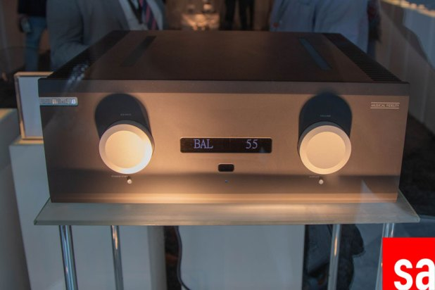 Musical Fidelity M8xi Dual Mono Integrated Amplifier 01