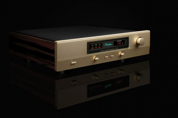 Accuphase C 47 Stereo Phono Amplifier 02