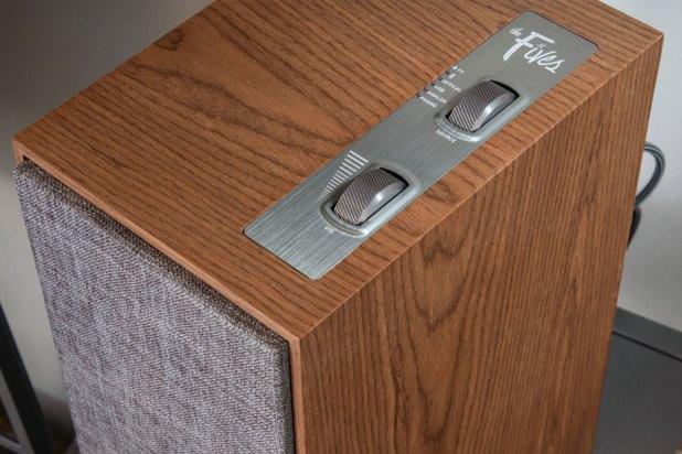 Klipsch The Fives Powered Monitors Active Wireless Speaker 05