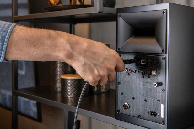 Klipsch The Fives Powered Monitors Active Wireless Speaker 09